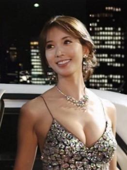 リン・チーリン ドレス.jpg